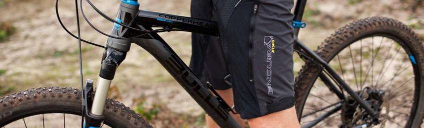 Review Endura MT500 Spray Baggy Short [NL]